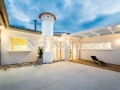 Fotografía de espacios interiores y exteriores casa remodelada