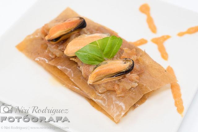 Colores que abren el apetito en el pincho milhojillón del establecimiento Portiño para Pinchanogrove por Niri Rodríguez Fotógrafa de alimentos en Pontevedra