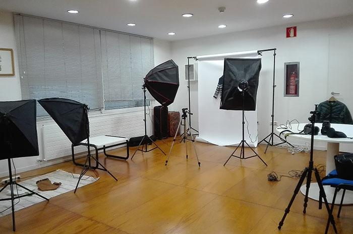 Equipo fotogáfico a disposición de clientes de Niri Rodríguez Fotógrafo de producto en Pontevedra
